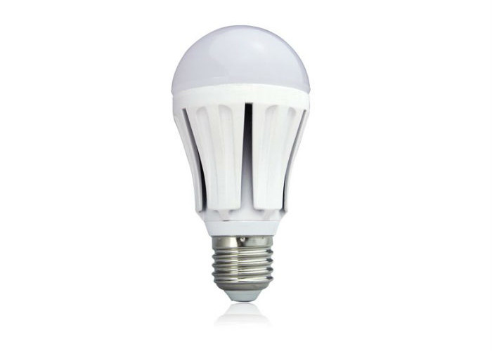 KIT 3 Lampadine LED 9W + 1 Omaggio